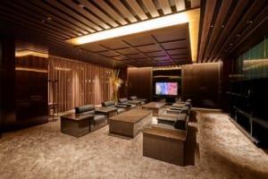 エグゼクティブ応接室・会議室:エグゼクティブな客様をおもてなしする重厚な空間
